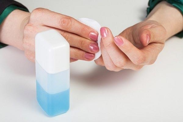 nước tẩy sơn móng tay aceton